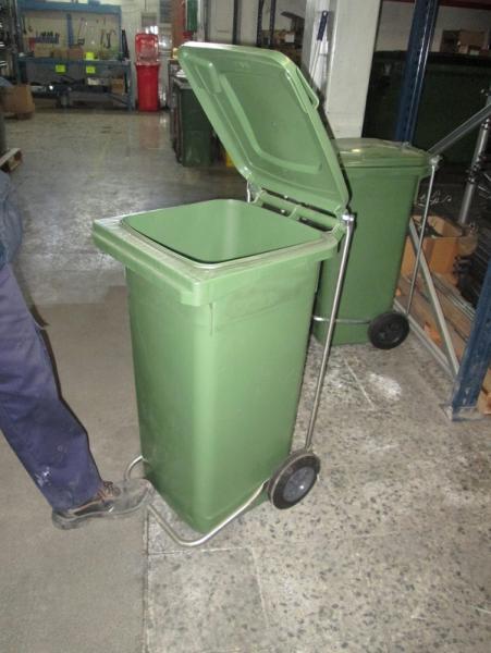 Contenedores de basura 120 L con pedal metálico