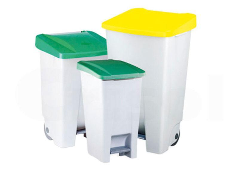 Cubos de basura con pedal de plástico